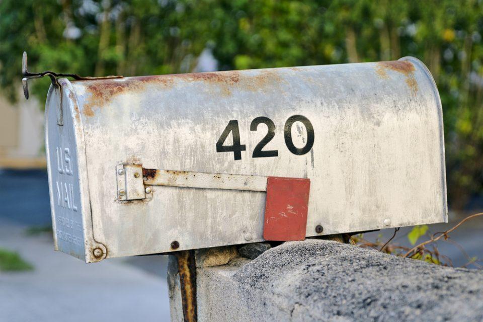 420mailbox.jpg